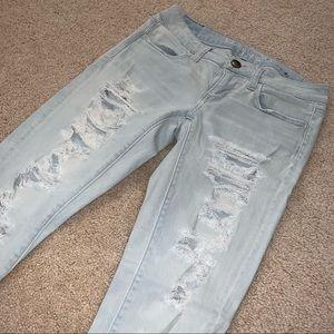 Distressed Skinny Jeans || AE